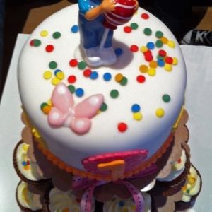 Ja té 1 any! Cupcakes i pastís
