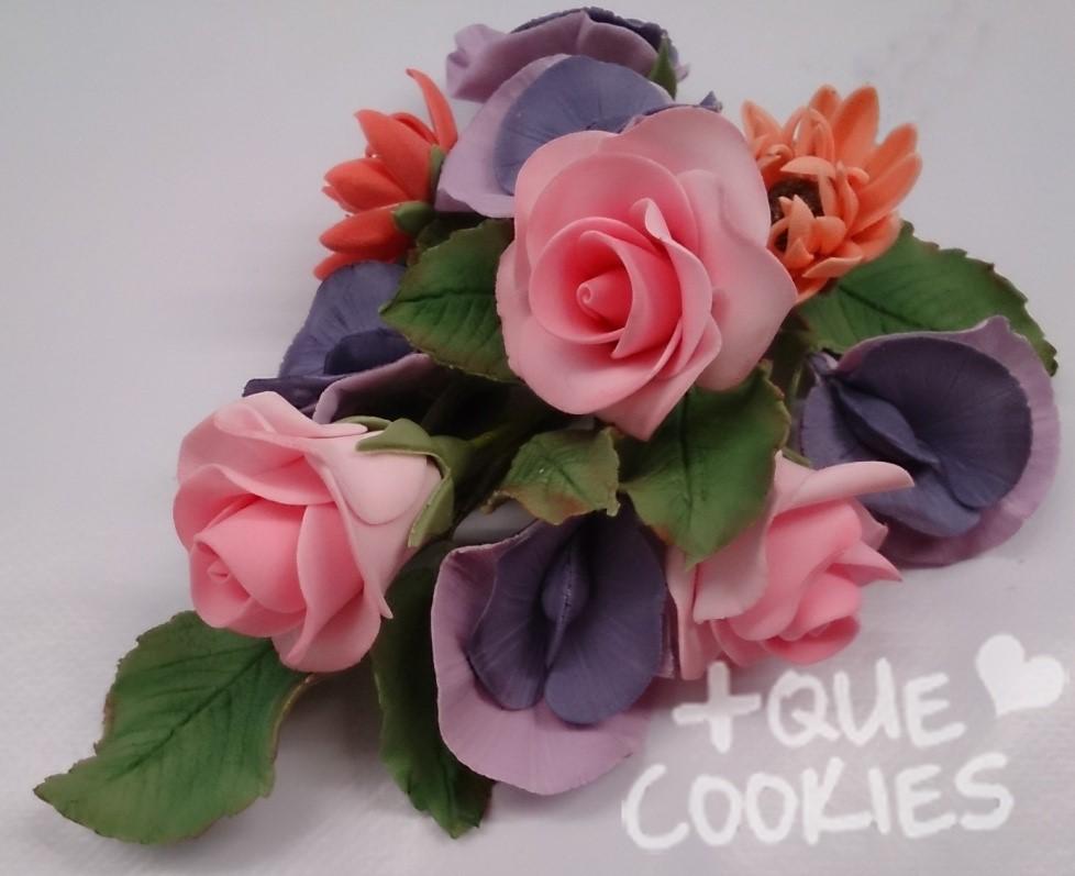 Curs de flors i fullatge de pasta de sucre